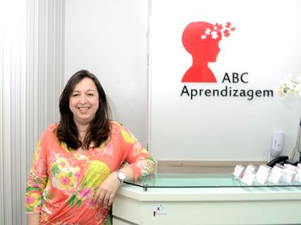Luciane Rodrigues - Psicóloga e Neuropsicóloga do ABC Aprendizagem