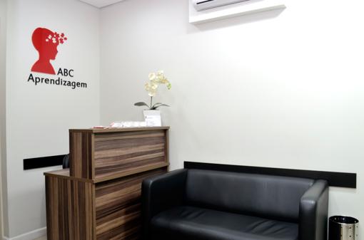 Consultório ABC Aprendizagem - Centro Psicopedagógico Interdisciplinar em Santo André - Sala Recepção